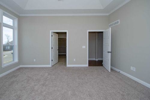 Empty-in-Serenity-at-Carriage Hill-in-Liberty Township