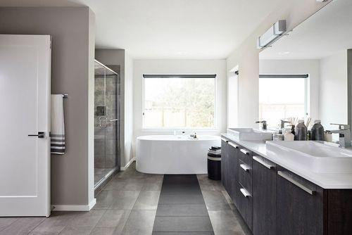 Bathroom-in-Hudson-at-Pepper Hill-in-Auburn