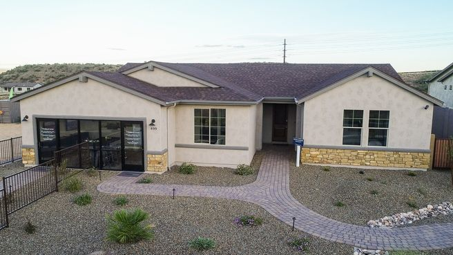 499 Cleopatra Hill Road (Highlander)