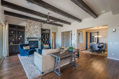 Greatroom-and-Dining-in-Pinnacle-at-Yavapai Hills-in-Prescott