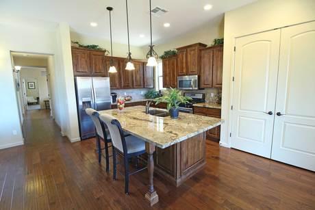 Kitchen-in-Manzanita-at-Mollie Rae-in-Chino Valley