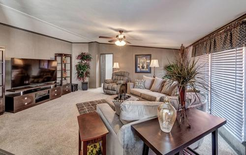 Greatroom-and-Dining-in-The El Jefe-at-Manufactured Housing Consultants - Laredo-in-Laredo