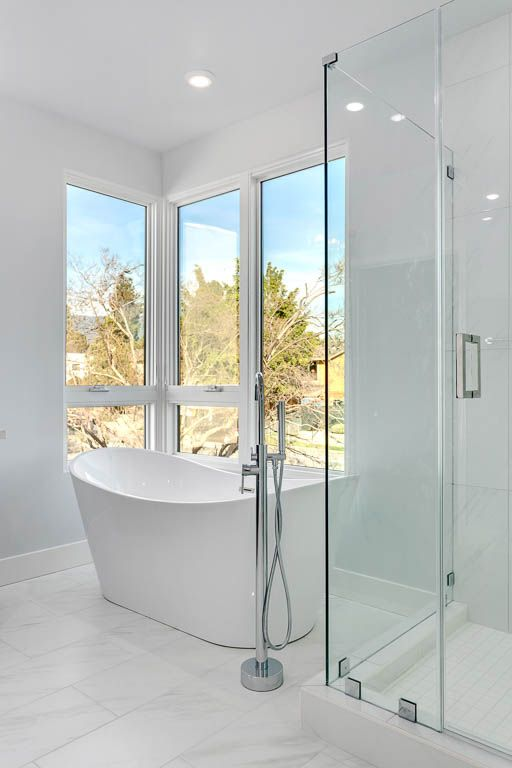 Bathroom featured in the Unit 12 By Marengo Villa Pasadena  in Los Angeles, CA