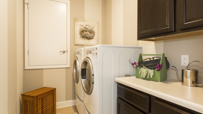 Laundry-in-Drexel-at-Mallory Square-in-Deland
