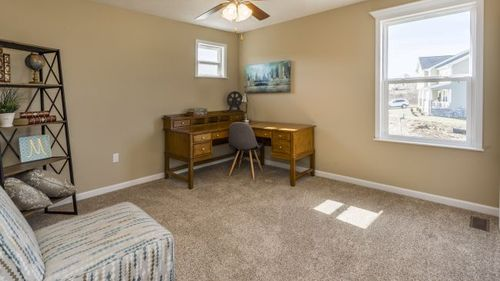 Study-in-Somerset-at-Tuscany Ridge-in-Oakdale