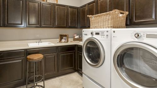 Laundry-in-Sienna-at-Florence Lake Ridge-in-Clermont
