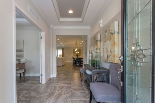 Hallway-in-Harmony-at-The Glen-in-Fruitland Park