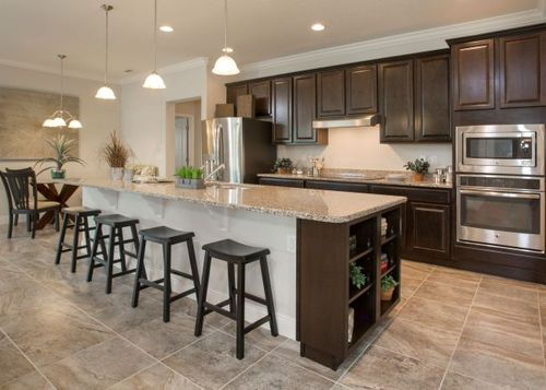 Kitchen-in-Harmony-at-The Glen-in-Fruitland Park