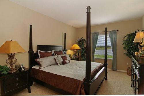 Bedroom-in-Avella-at-Knight Lake Estates-in-Mascotte