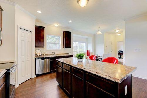 Kitchen-in-Dallas-at-Keystone Crossing-in-Marysville