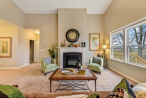 Greatroom-in-Knoxville-at-Autumn Grove-in-Grove City