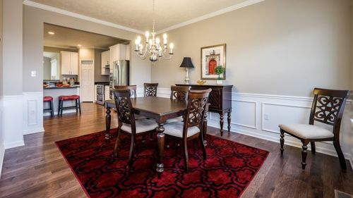 Dining-in-Tucson-at-Tuscany Ridge-in-Oakdale