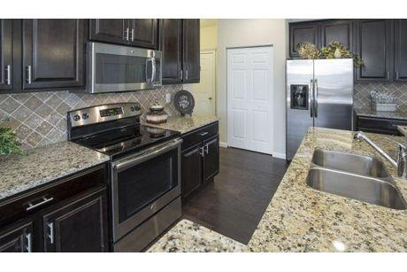 Kitchen-in-Chatham-at-Weaver Ridge-in-Marysville