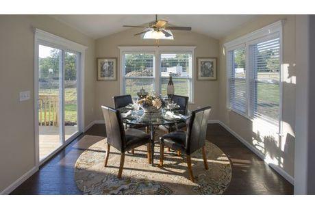 Breakfast-Room-in-Chatham-at-Weaver Ridge-in-Marysville