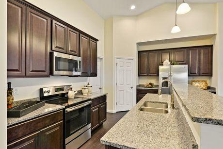 Kitchen-in-Stratford-at-Keystone Crossing-in-Marysville