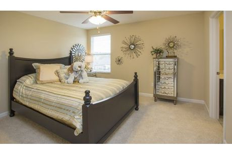 Bedroom-in-Columbus-at-Leafy Dell-in-Johnstown