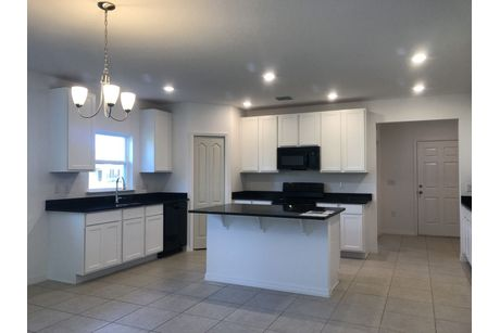 Kitchen-in-Richmond-at-Knight Lake Estates-in-Mascotte