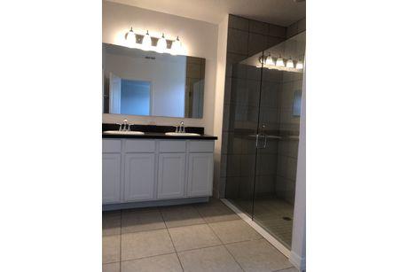 Bathroom-in-Richmond-at-Knight Lake Estates-in-Mascotte