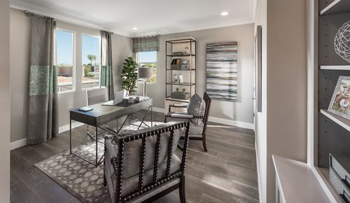 Dining-in-Seville-at-Enclave at Hamilton Ranch-in-Chandler