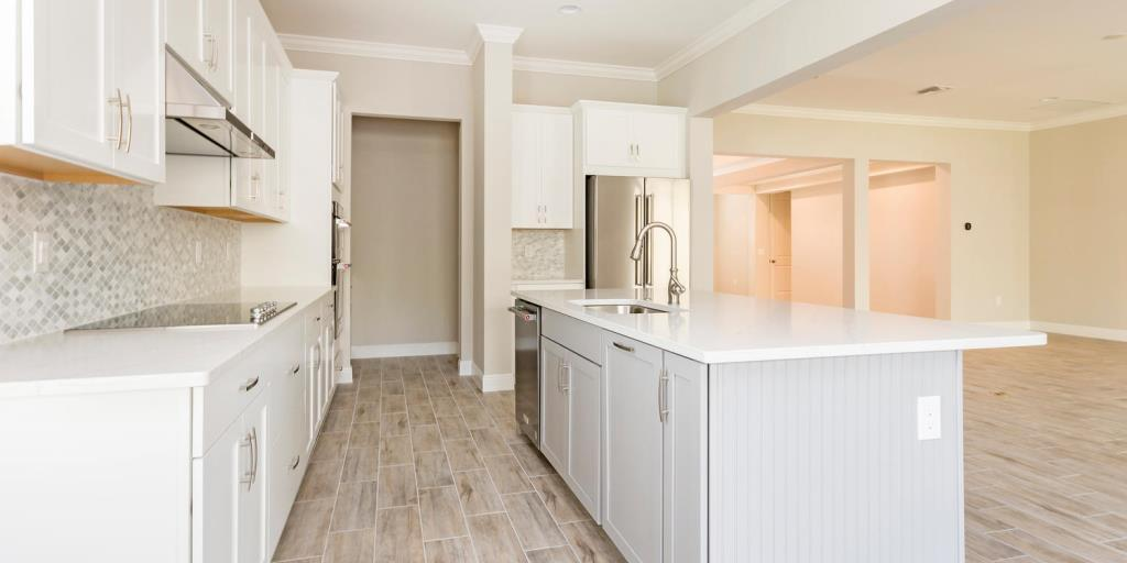 Kitchen-in-Mariner-at-Compass Landing-in-Naples