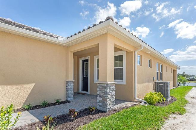 6554 Good Life Street (Largo Villa)