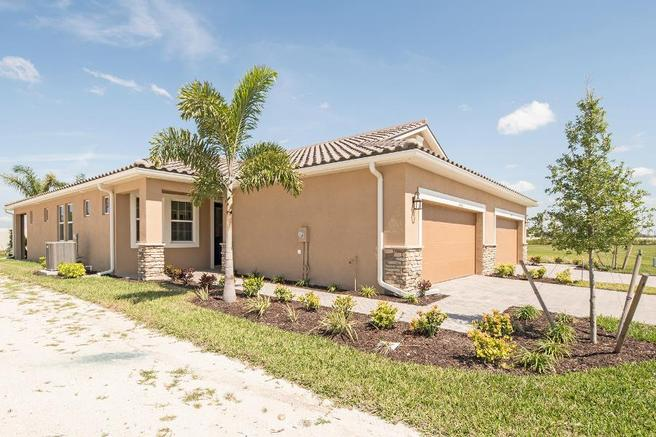6563 Good Life Street (Largo Villa)
