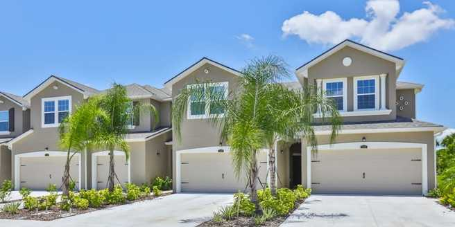5526 Pleasantview Court (Palm End)