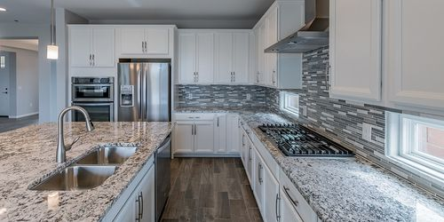 Kitchen-in-Lookout-at-Dove Mountain-in-Marana