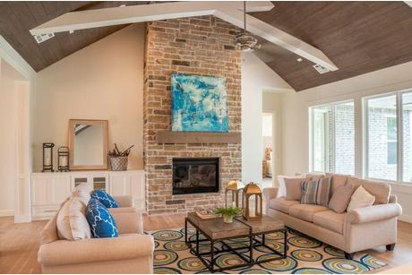 Greatroom-in-The Rose Cliff-at-The Falls-in-Edmond