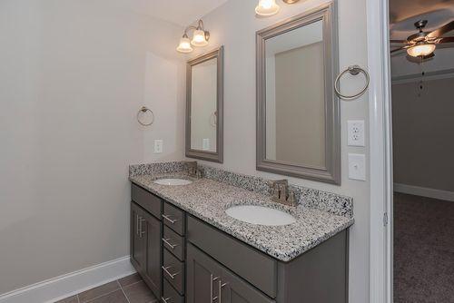 Bathroom-in-Sullivan Craftsman-at-Legacy Lakes-in-Aberdeen