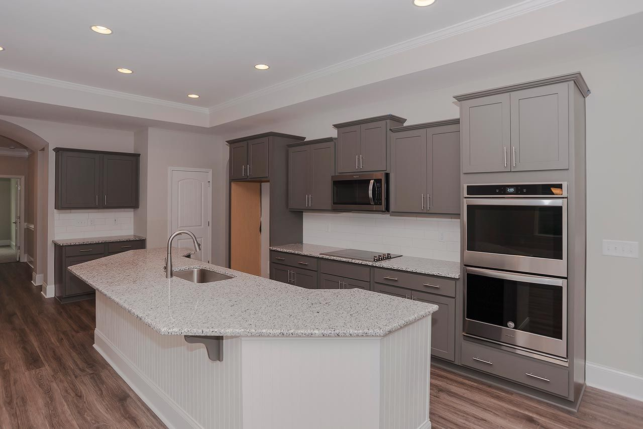 Kitchen-in-Verona Craftsman-at-Legacy Lakes-in-Aberdeen