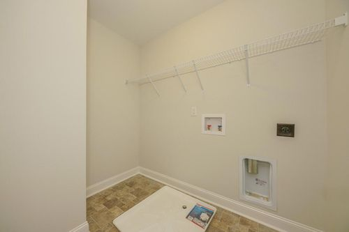 Laundry-in-Finley Classic-at-Summerwind Plantation-in-Garner