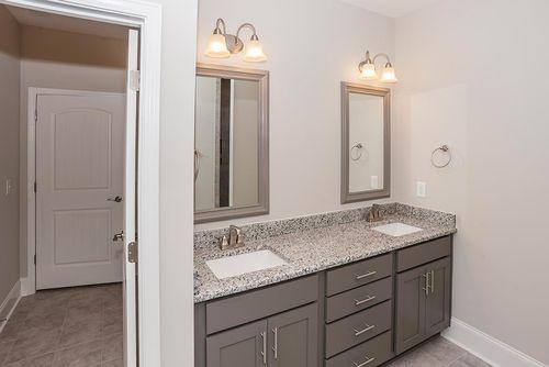 Bathroom-in-Verona Craftsman-at-Legacy Lakes-in-Aberdeen