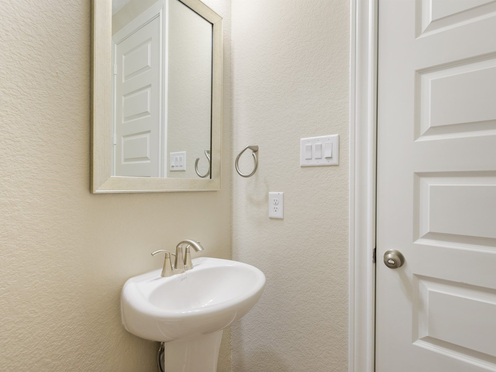 Bathroom featured in The Pearl (C452) By Meritage Homes in Houston, TX