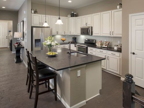 Kitchen-in-The Timberline-at-Aspen Reserve-in-Thornton