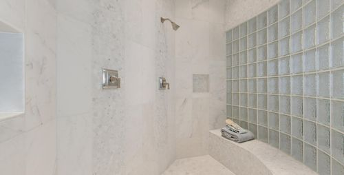 Bathroom-in-Sierra 2.0-at-Falconaire-in-Leesburg