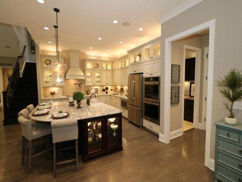 Kitchen-in-Vanderbilt-at-Lawson-in-Waxhaw