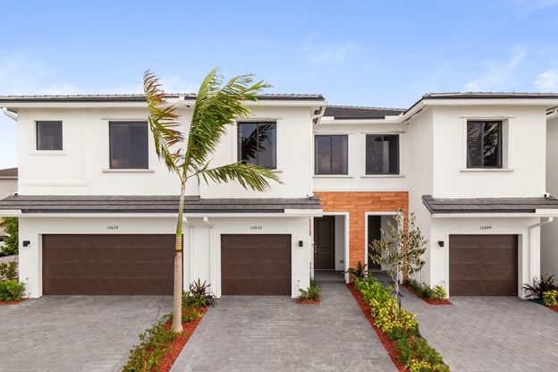 WELCOME HOME:Affordable modern townhomes with oversized 1-2 car garages.Contact usfor more information! Se Habla Espanol!