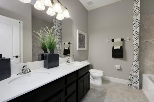 Bathroom-in-Seagate-at-Orchid Estates-in-Apopka