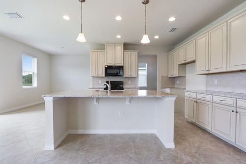 Kitchen-in-Sanibel-at-Lucaya Lake Club - Signature-in-Riverview