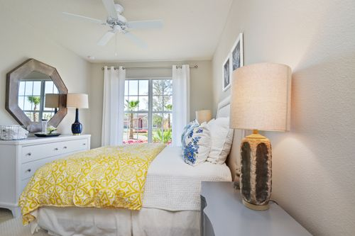 Bedroom-in-Sawgrass-at-Lucaya Lake Club - Executive-in-Riverview