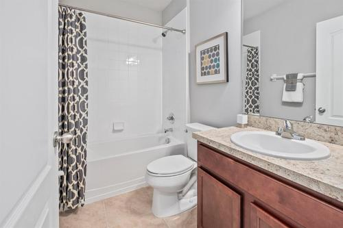 Bathroom-in-F1452-at-Bayberry-in-Gibsonton