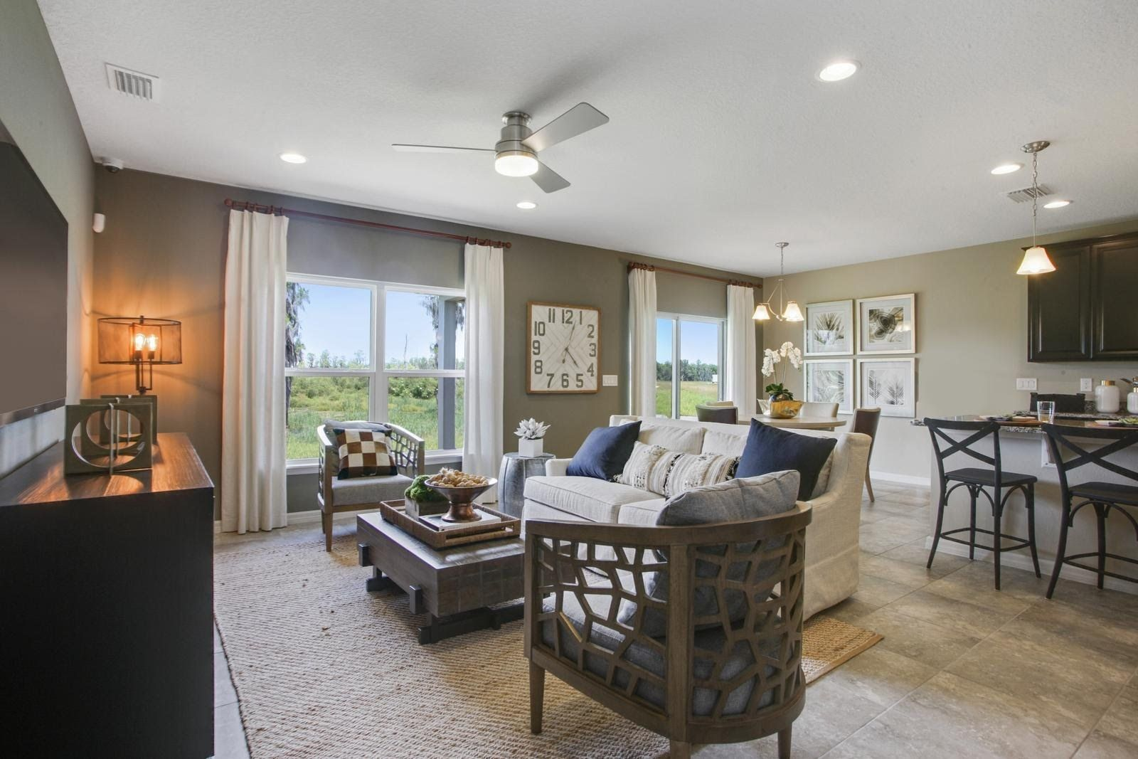 Greatroom-and-Dining-in-Parkland-at-Victoria Trails-in-Deland