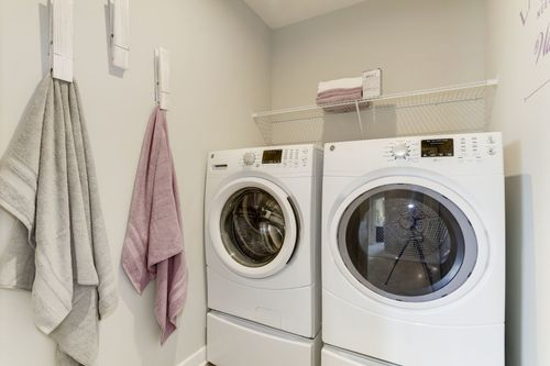 Laundry-in-McPherson-at-Westchester Square-in-Waldorf