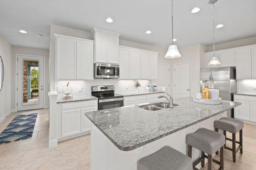 Kitchen-in-Aspen-Arbor-at-Cypress Ridge-in-Kissimmee