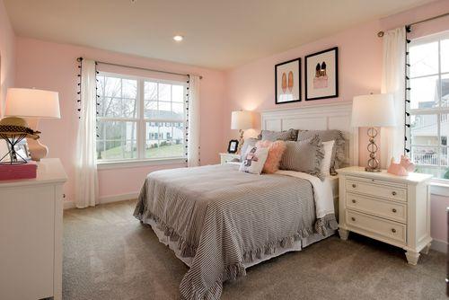 Bedroom-in-Roanoke-at-Lake Linganore Woodridge-in-New Market