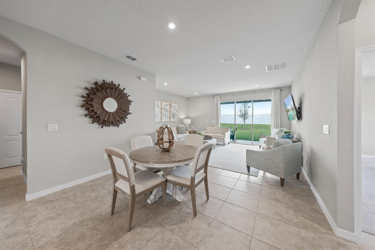 Breakfast-Room-in-Sandpiper Point-at-Orchid Estates-in-Apopka