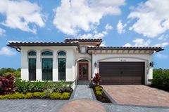 8170 Acadia Court (Saint Lucia Grande- The Whitehall Collection)