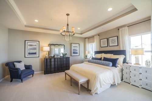 Bedroom-in-Carolina Place-at-Piatt Estates-in-Washington