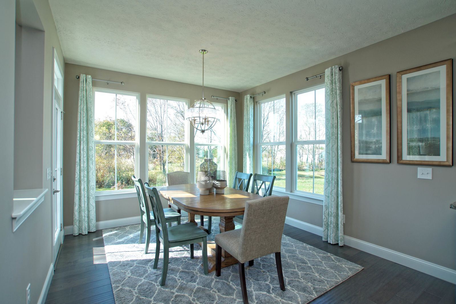 Breakfast-Room-in-Esquire Place-at-Kallay Farms-in-Painesville